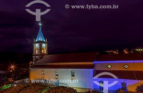 Vista noturna da Igreja Matriz do Divino Espírito Santo  - Guarani - Minas Gerais (MG) - Brasil