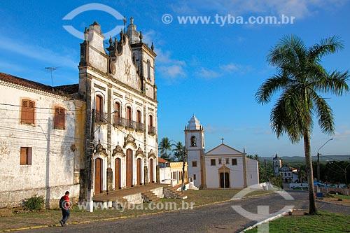 Igreja e Convento do Sagrado Coração de Jesus (1742) com a Igreja dos Santos Cosme e Damião (1535) ao fundo - considerada a igreja mais antiga do Brasil  - Igarassu - Pernambuco (PE) - Brasil