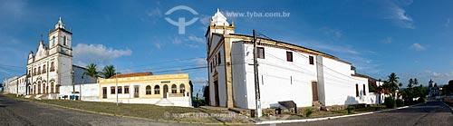 Igreja e Convento do Sagrado Coração de Jesus (1742) com a Igreja dos Santos Cosme e Damião (1535) ao lado - considerada a igreja mais antiga do Brasil  - Igarassu - Pernambuco (PE) - Brasil
