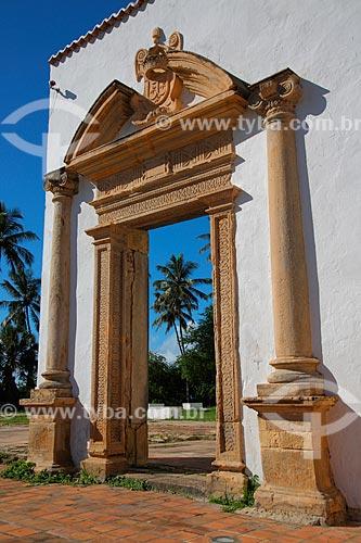 Detalhe de portão do Convento e Igreja de Nossa Senhora do Carmo - também conhecida como Convento e Igreja de Santo Antônio do Carmo (século XVI)  - Olinda - Pernambuco (PE) - Brasil