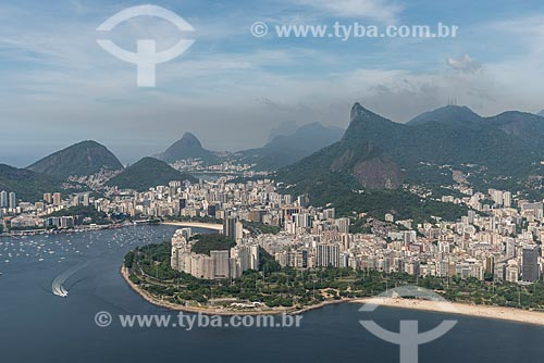 Vista da Enseada de Botafogo e trecho do Aterro do Flamengo com Morro do Corcovado ao fundo  - Rio de Janeiro - Rio de Janeiro (RJ) - Brasil