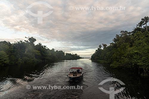 Barco de turismo em canal do Rio Negro  - Manaus - Amazonas (AM) - Brasil