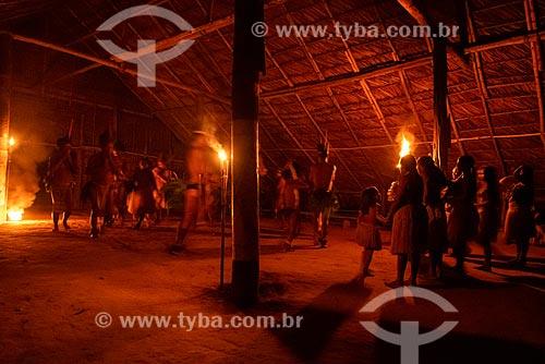 Índios fazendo dança indígena tradicional - Comunidade Indígena Cipiá  - Manaus - Amazonas (AM) - Brasil