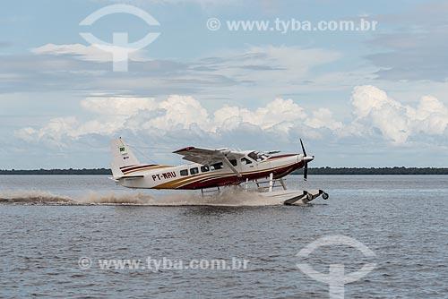 Hidroavião decolando no Rio Negro  - Iranduba - Amazonas (AM) - Brasil