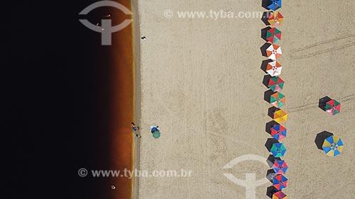 Foto feita com drone da Praia da Ponta Negra vazia devido à crise do Coronavírus  - Manaus - Amazonas (AM) - Brasil