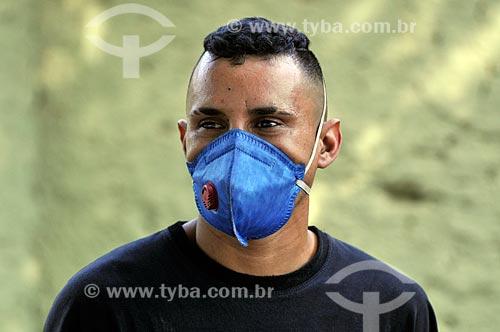 Pessoa usando máscara por causa da Crise do Coronavírus  - Mirassol - São Paulo (SP) - Brasil