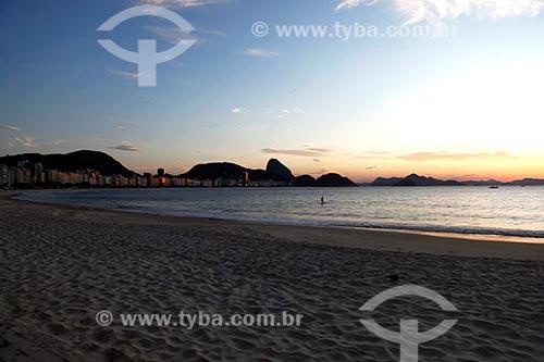 Amanhecer na Praia de Copacabana durante a quarentena - Crise do Coronavírus  - Rio de Janeiro - Rio de Janeiro (RJ) - Brasil