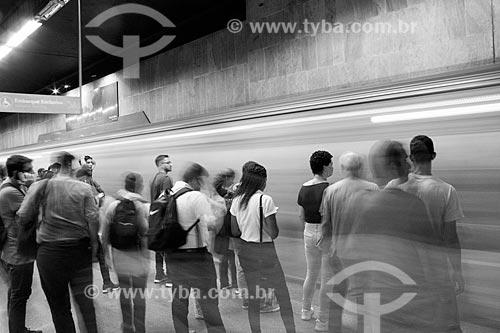 Passageiros na Estação Cinelândia do Metrô Rio  - Rio de Janeiro - Rio de Janeiro (RJ) - Brasil