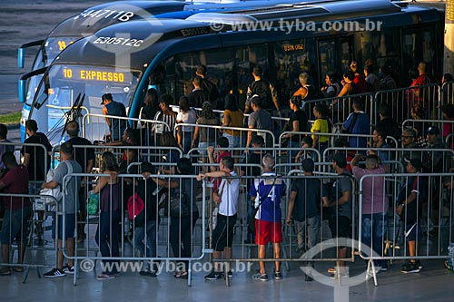 Passageiros na Estação Alvorada do BRT durante a quarentena - Crise do Coronavírus  - Rio de Janeiro - Rio de Janeiro (RJ) - Brasil