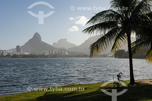 Entorno da Lagoa Rodrigo de Freitas com poucas pessoas devido a crise do Coronavírus  - Rio de Janeiro - Rio de Janeiro (RJ) - Brasil