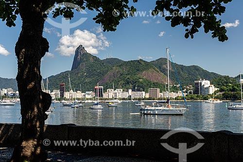 Vista de barcos ancorados na Enseada de Botafogo  - Rio de Janeiro - Rio de Janeiro (RJ) - Brasil