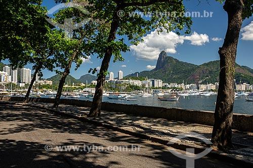 Vista do Morro do Corcovado a partir da mureta da Urca  - Rio de Janeiro - Rio de Janeiro (RJ) - Brasil