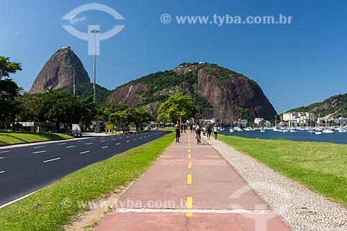 Pessoas se exercitando no Aterro do Flamengo durante à Crise do Coronavírus  - Rio de Janeiro - Rio de Janeiro (RJ) - Brasil