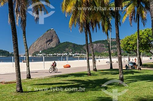 Praia do Flamengo com poucas pessoas devido à Crise do Coronavírus  - Rio de Janeiro - Rio de Janeiro (RJ) - Brasil