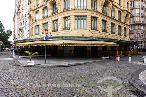 Bar Amarelinho da Cinelândia fechado devido a crise do Coronavírus  - Rio de Janeiro - Rio de Janeiro (RJ) - Brasil
