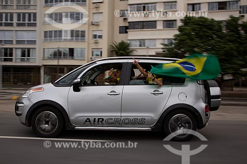 Manifestação à favor do Governo Bolsonaro - Carreata pela zona sul do Rio de Janeiro  - Rio de Janeiro - Rio de Janeiro (RJ) - Brasil