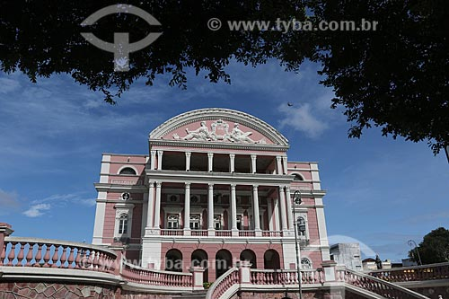 Teatro Amazonas (1896) ao fundo  - Manaus - Amazonas (AM) - Brasil