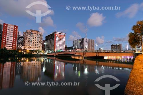 Ponte Duarte Coelho (1943) sobre o Rio Capibaribe  - Recife - Pernambuco (PE) - Brasil