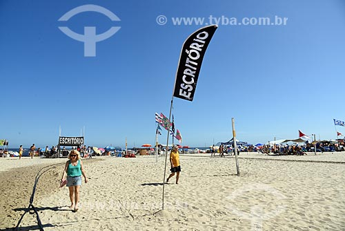 Banhistas na Praia de Copacabana  - Rio de Janeiro - Rio de Janeiro (RJ) - Brasil