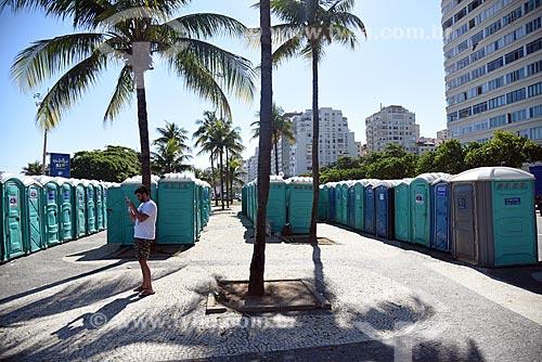 Banheiro químico na Praia de Copacabana para a festa de reveillon  - Rio de Janeiro - Rio de Janeiro (RJ) - Brasil