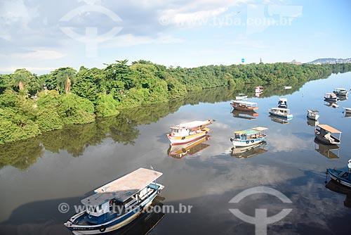 Barcos atracados na margem da Linha Vermelha  - Rio de Janeiro - Rio de Janeiro (RJ) - Brasil