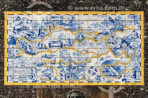 Detalhe de painel de azulejos com o mapa da Floresta da Tijuca (1946) próximo à Cascatinha Taunay  - Rio de Janeiro - Rio de Janeiro (RJ) - Brasil