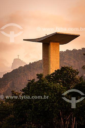 Vista do Monumento aos Mortos da Segunda Guerra Mundial (1959) - Monumento aos Pracinhas - Cristo Redentor ao fundo  - Rio de Janeiro - Rio de Janeiro (RJ) - Brasil