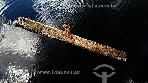 Foto feita com drone de crianças brincando no Balneário Miriti  - Manacapuru - Amazonas (AM) - Brasil