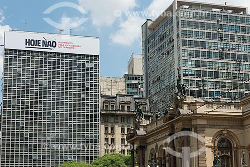 Outdoor de campanha pela redução do número de mortos no trânsito  - São Paulo - São Paulo (SP) - Brasil