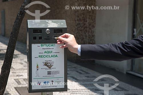 Local para descarte de guimbas de cigarro  - São Paulo - São Paulo (SP) - Brasil