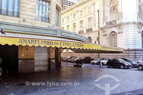 Bar Amarelinho da Cinelândia fechado devido à crise do Coronavírus  - Rio de Janeiro - Rio de Janeiro (RJ) - Brasil