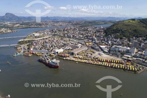 Foto feita com drone de navio lançador de fibra ótica e cabos sumbarinos em alto mar atracado no porto de Vitória - Vitória - Espírito Santo (ES) - Brasil