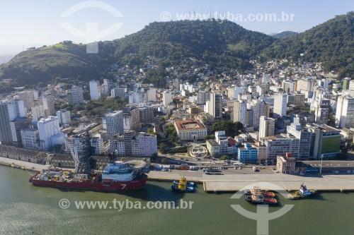 Foto feita com drone do centro da cidade de Vitória e caís do porto desativado - Vitória - Espírito Santo (ES) - Brasil