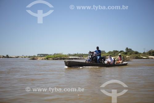 Transporte fluvial no Rio Parnaíba - Divisa do Piauí com o Maranhão - União - Piauí (PI) - Brasil