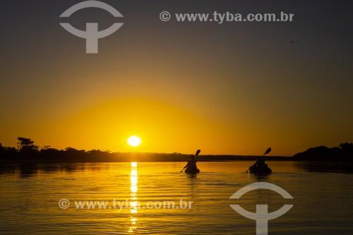 Caiaques no Rio Parnaíba ao por do sol - Divisa do Piauí com o Maranhão - Miguel Alves - Piauí (PI) - Brasil