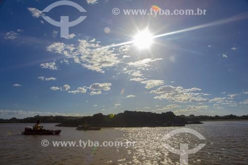 Caiaques no Rio Parnaíba ao por do sol - Divisa do Piauí com o Maranhão - Parnaíba - Piauí (PI) - Brasil