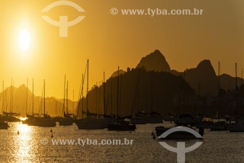 Vista de barcos ancorados na Enseada de Botafogo ao amanhecer - Rio de Janeiro - Rio de Janeiro (RJ) - Brasil