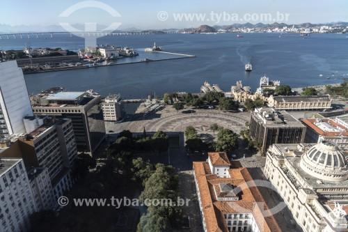 Vista da Praça XV de Novembro com Baía de Guanabara ao fundo - Rio de Janeiro - Rio de Janeiro (RJ) - Brasil