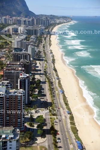Foto aérea de prédios na orla da Praia da Barra da Tijuca - Rio de Janeiro - Rio de Janeiro (RJ) - Brasil