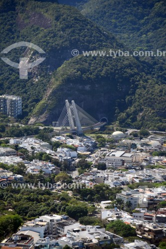Foto aérea do Jardim Oceânico com Ponte estaiada na linha 4 do Metrô Rio ao fundo - Rio de Janeiro - Rio de Janeiro (RJ) - Brasil