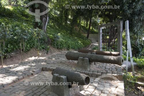 Canhões decorativos nos jardins do Museu Solar Monjardim (MSM) - Vitória - Espírito Santo (ES) - Brasil