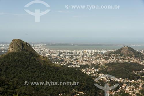 Vista de cima da orla da Praia de Camburi - Vitória - Espírito Santo (ES) - Brasil