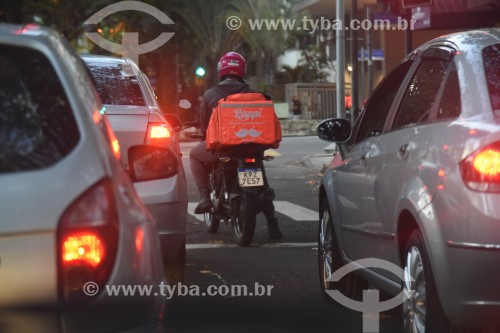 Motociclista entregador de restaurante - via aplicativo Rappi - Rio de Janeiro - Rio de Janeiro (RJ) - Brasil