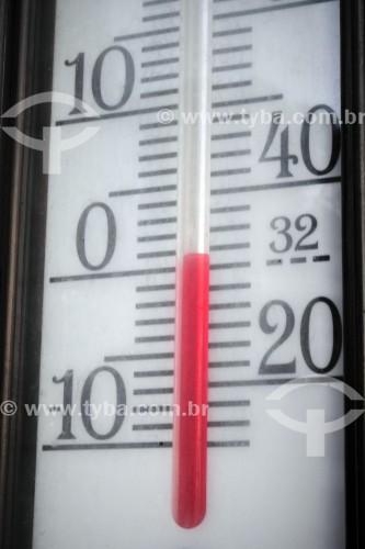 Termômetro marcando zero grau - Canela - Rio Grande do Sul (RS) - Brasil