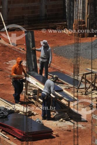 Operários na Construção Civil - São José do Rio Preto - São Paulo (SP) - Brasil