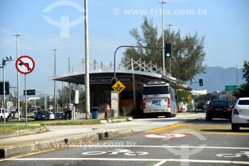 Ônibus do BRT (Bus Rapid Transit) na Estação do BRT Transcarioca - Estação Paulo Malta Rezende - Rio de Janeiro - Rio de Janeiro (RJ) - Brasil