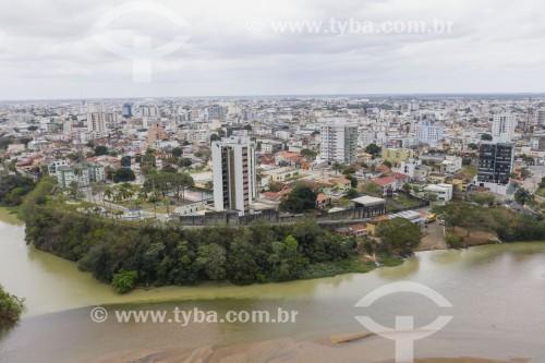 Foto feita com drone da cidade de Linhares na margem do Rio Doce - Linhares - Espírito Santo (ES) - Brasil