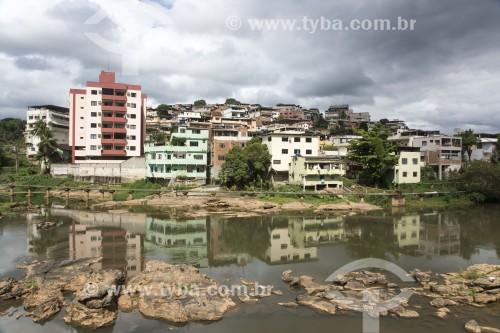 Prédios e casas na beira do Rio Itapemirim - Cachoeiro de Itapemirim - Espírito Santo (ES) - Brasil