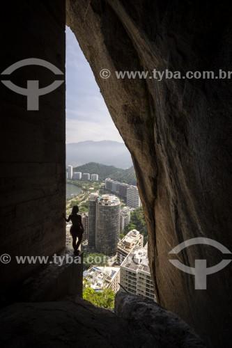 Vista de prédios durante a escalada do Morro do Cantagalo - Rio de Janeiro - Rio de Janeiro (RJ) - Brasil