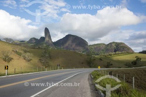 Pico do Itabira visto da Rodovia BR-482 - Cachoeiro de Itapemirim - Espírito Santo (ES) - Brasil